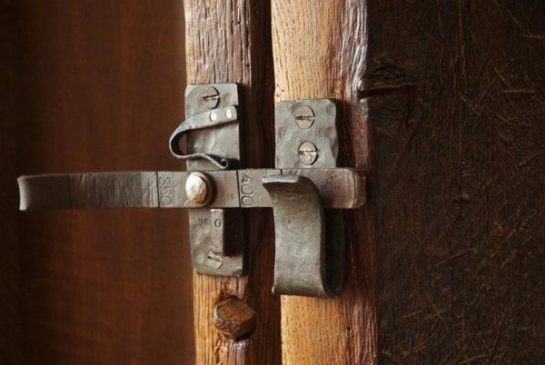 Ouverture armoire, détail